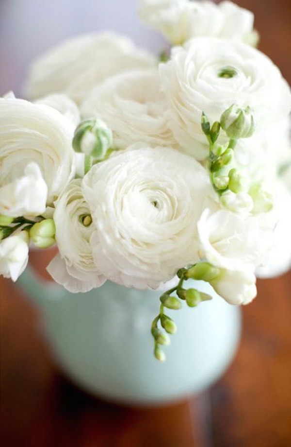 elegant white ranunculs wedding centerpieces ideas