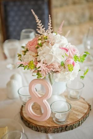 gorgeous soft wedding centerpieces with ranunculus