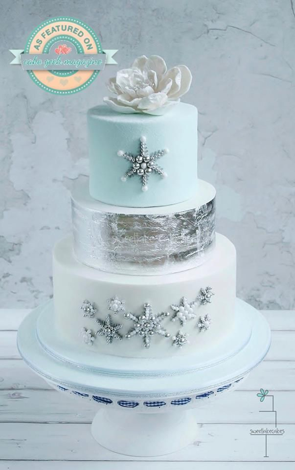 gorgeous winter wedding cakes with silver glittery details