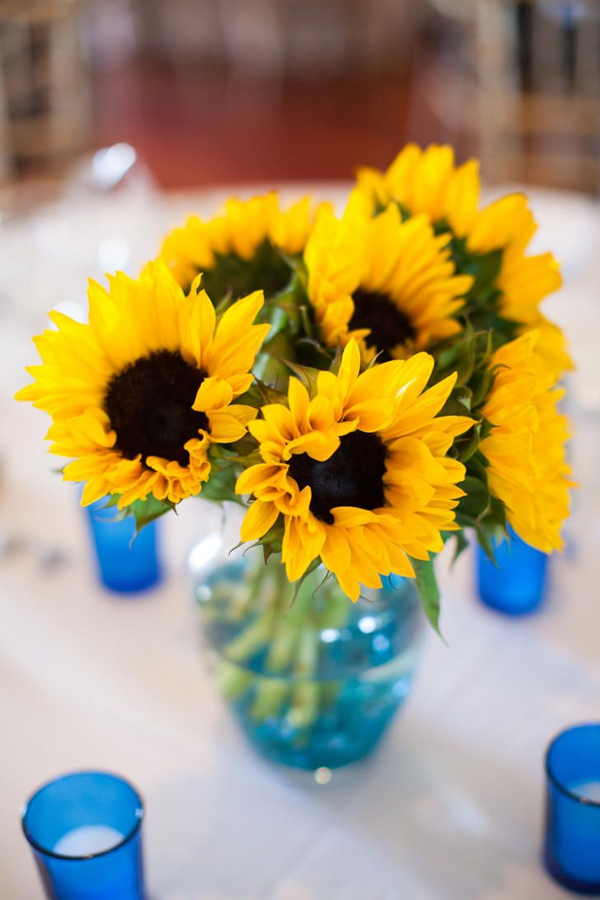 inexpensive wedding centerpiece ideas with sunflowers