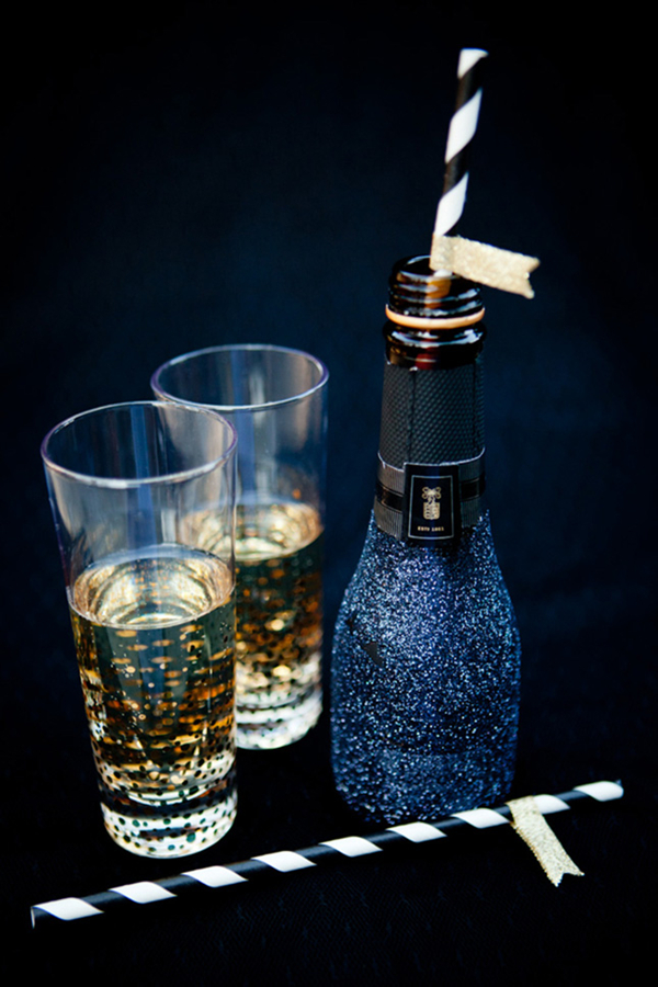 mini champagnes for winter wedding gift ideas