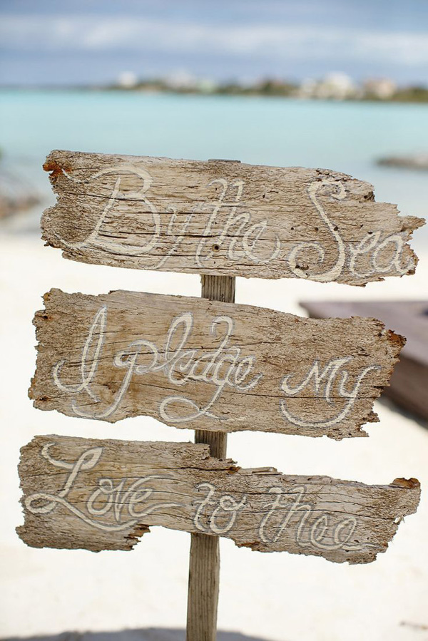 Pretty Beach Themed Wedding Sign Ideas