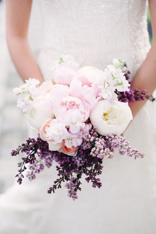 prttey peony wedding bouquets with lavender