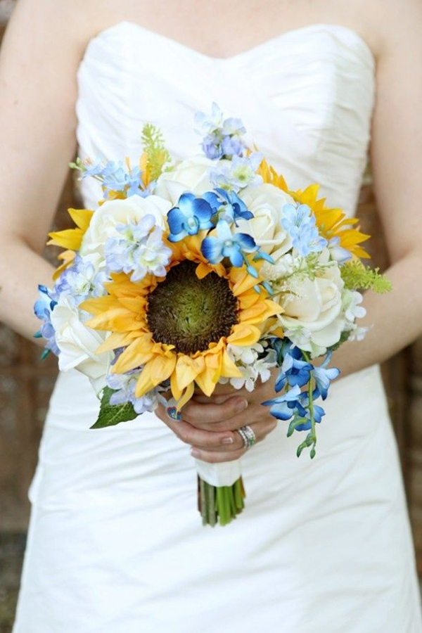 sunflower bridal bouquet for rustic wedding