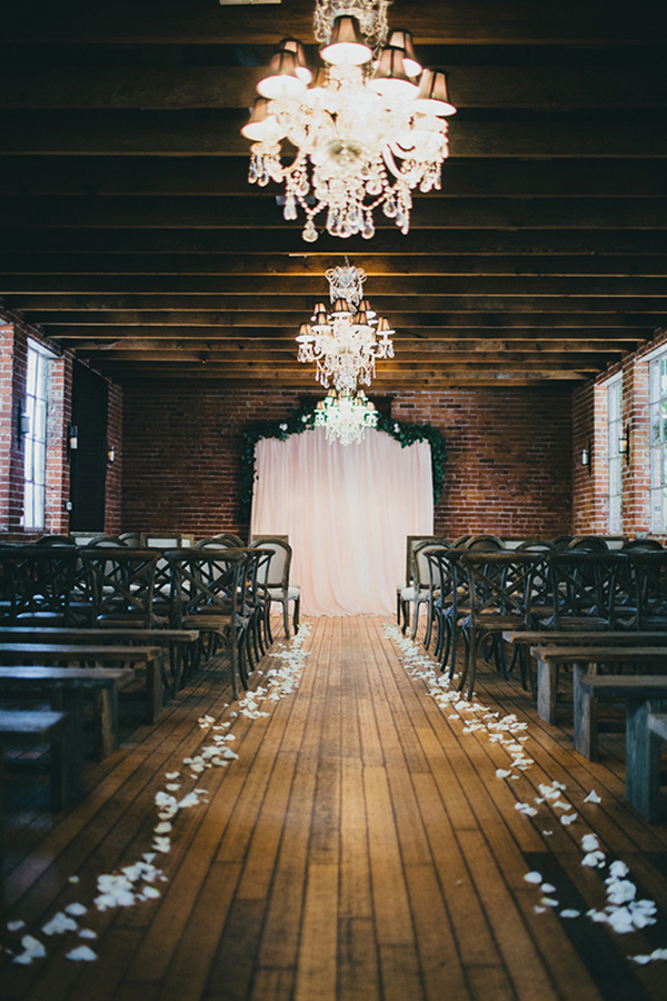 vintage carondelet house wedding ceremony