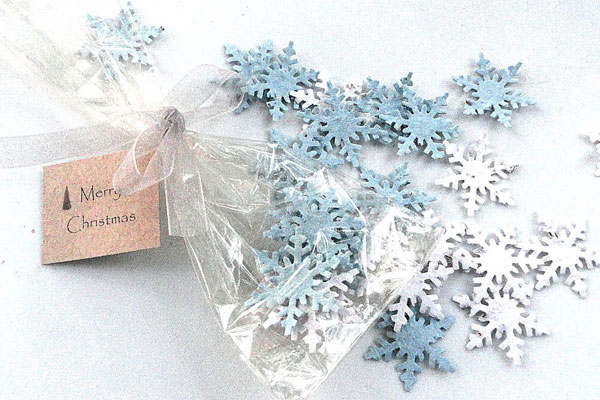 winter wedding favors plantable snowflake confetti