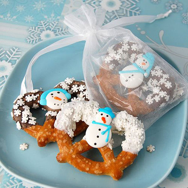 winter wedding favors snowman pretzels