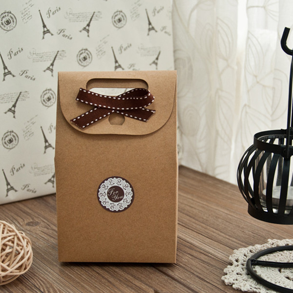 DIY-rustic-favor-box-for-wedding-with-ribbon-and-label-EWFB083
