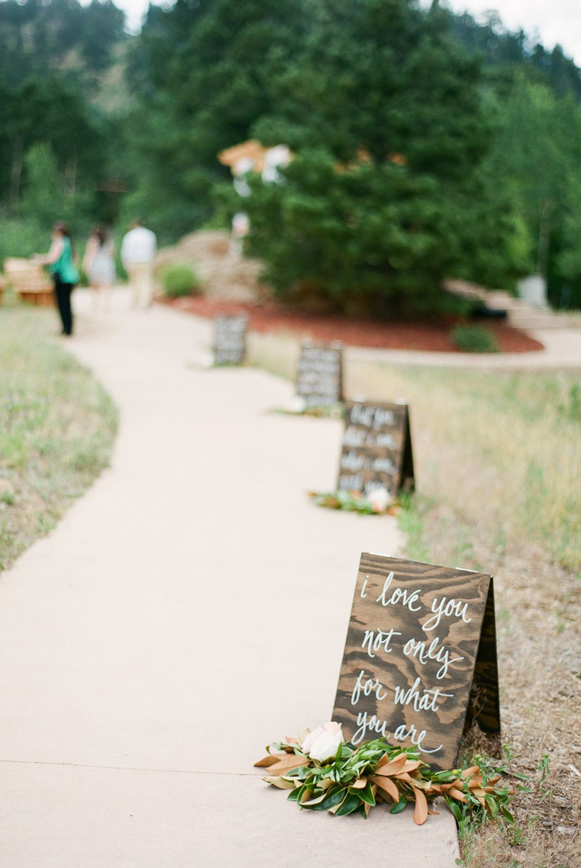 20 Gorgeous Walkway Ideas Leading Guests To Your Wedding Event ...