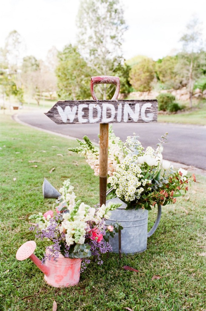 Creative Watering Can Rustic Wedding Decor Ideas