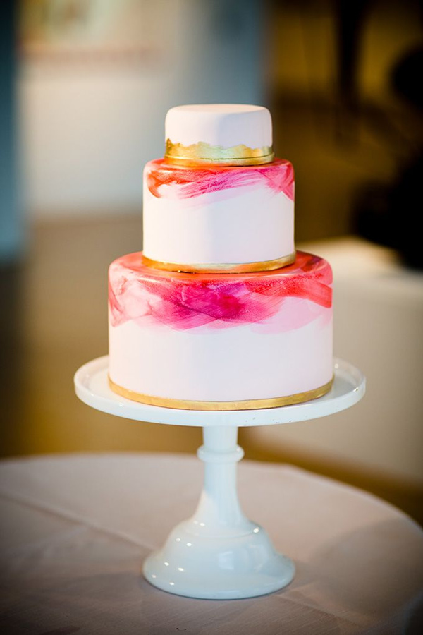 gorgeous pink and gold painted wedding cake ideas