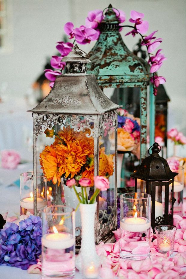gorgeous vintage lantern and flower wedding centerpieces ideas