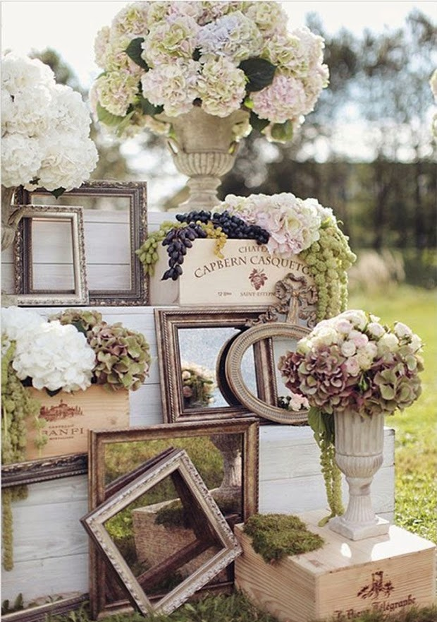vintage wedding decor ideas to use mirror, flowers and frames