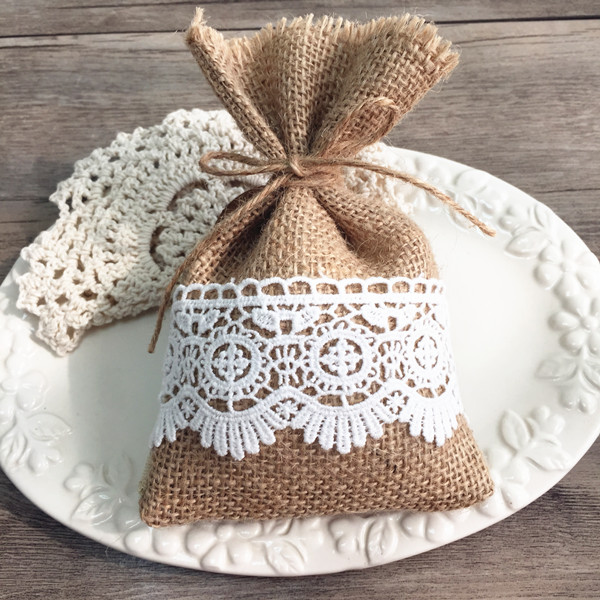burlap and lace wedding favors rustic DIY gift bags EWFB068