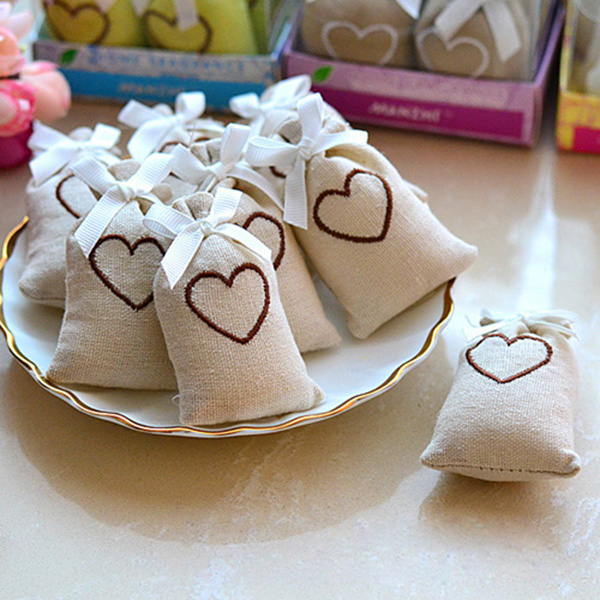 chic rustic burlap wedding favor bags with hearts