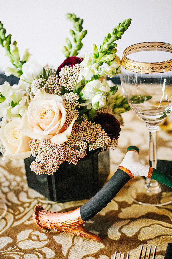 beautiful black and gold foral wedding centerpieces