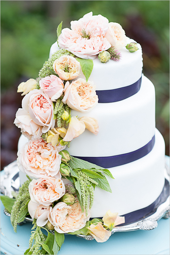 blue,white and pink floral wedding cake