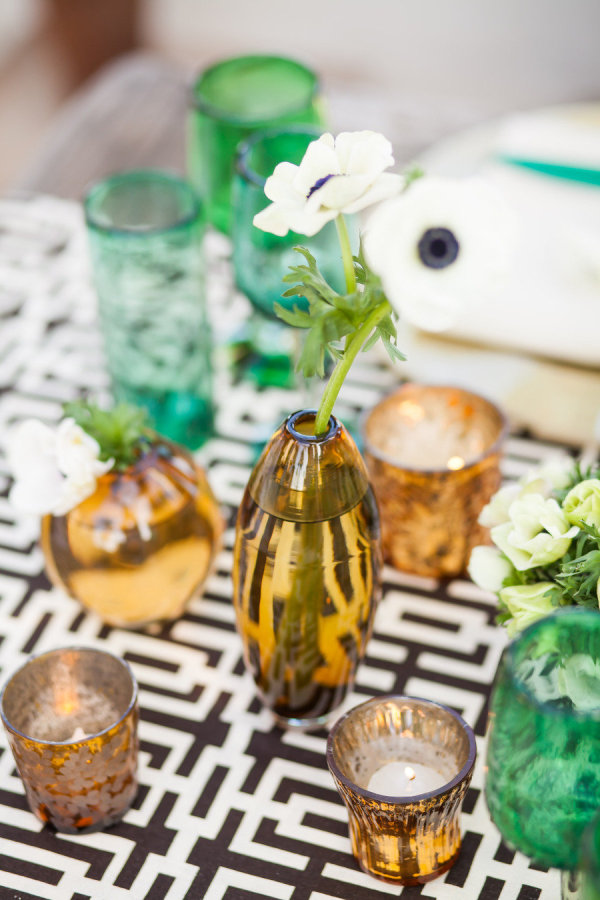 vinate black and gold wedding centerpieces with candles