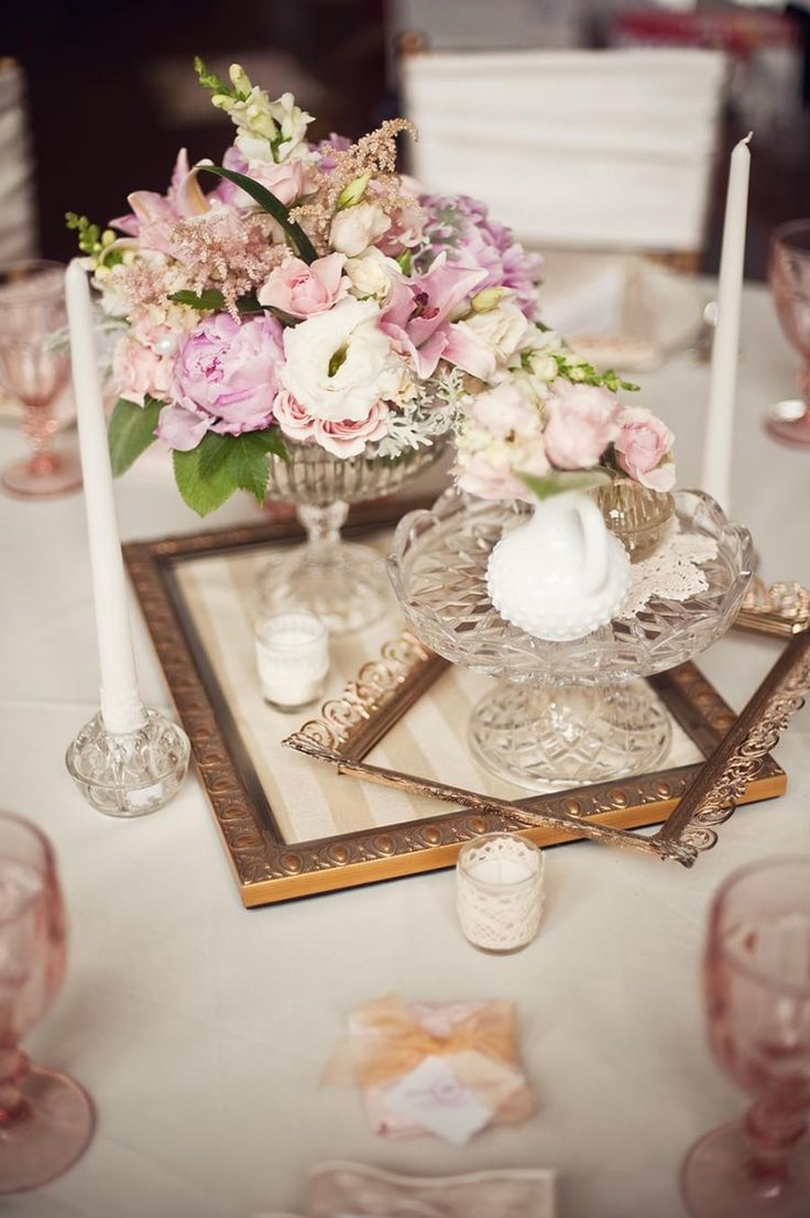 20 inspiring vintage wedding centerpieces ideas creative vintage frame and floral wedding centerpieces ideas junglespirit Image collections