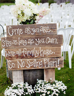 Cute Country Rustic Wedding Sign Inspiration