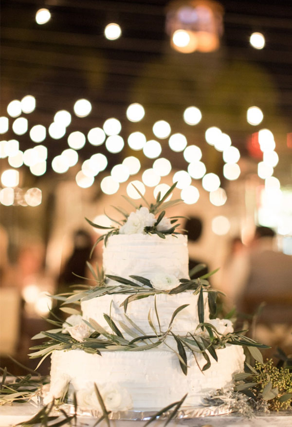 Naturally Greenery Wedding Cake with Rustic String Lights Decorated Backdrop