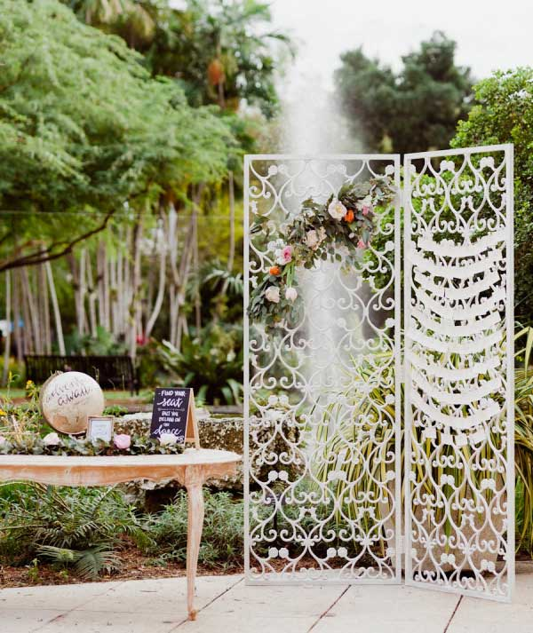 Stunning Iron Gate Escort Cards Decor Ideas