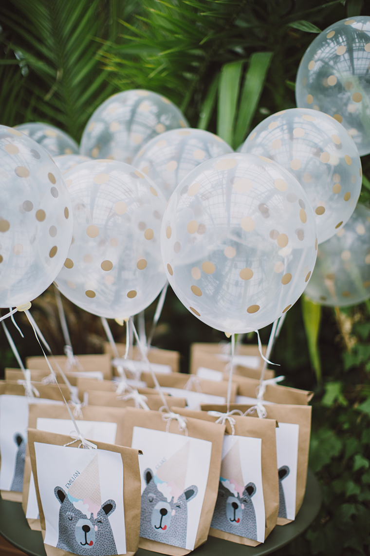 cute wedding favor ideas with balloons