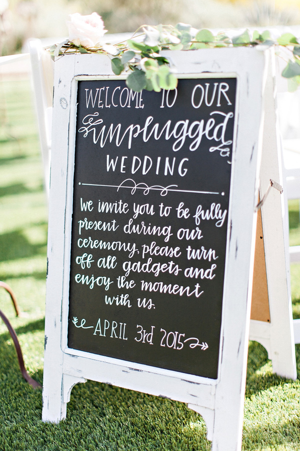 elegant black and white chalkboard garden wedding sign ideas