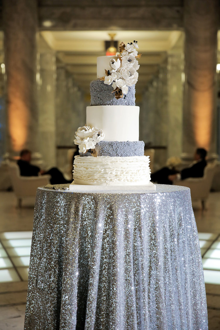 gorgeous silver grey winter wedding cake