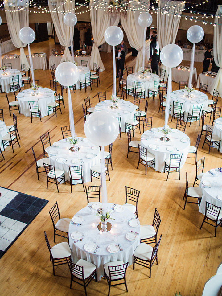 white balloons centerpieces for white wedding ideas