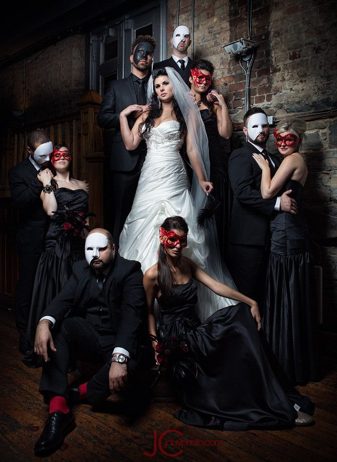 Black and red Halloween Wedding Photo Ideas