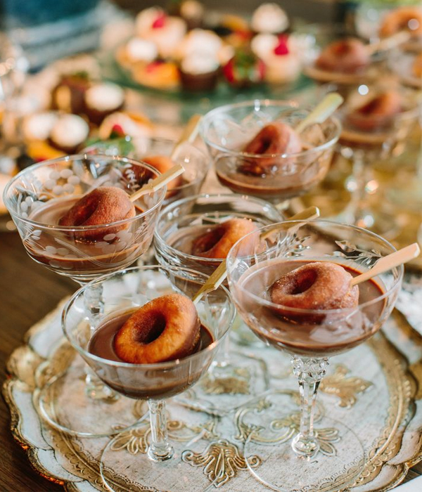 Mini Donut Pops Wedding Dessert Ideas