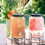 How To Incorporate Mason Jars Into Your Wedding Décor