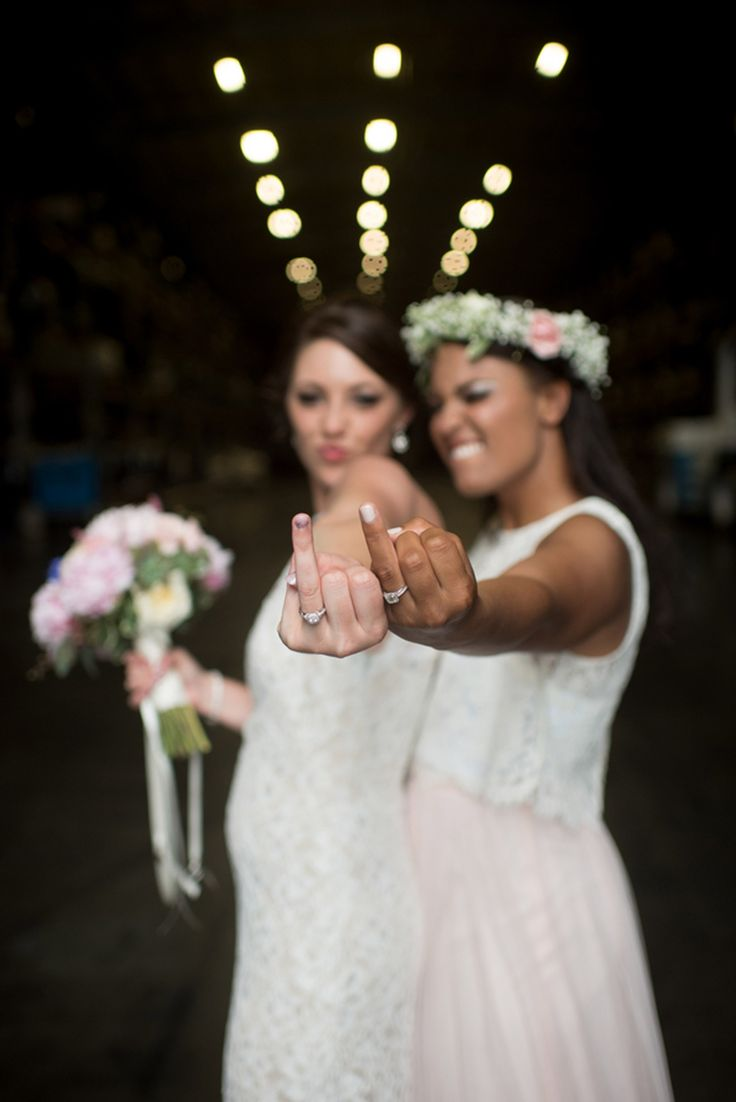 Adorable Lesbian Wedding Photo Ideas for Lesbian Couple