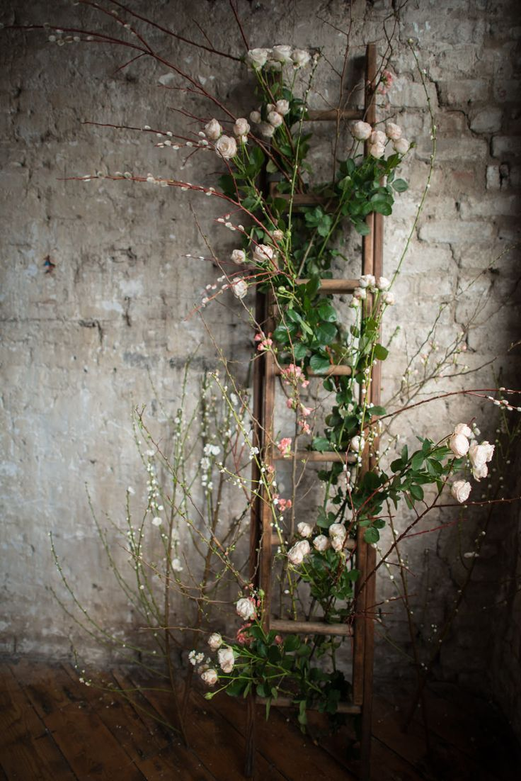 Great Ideas to Decorate Your Wedding with Ladders