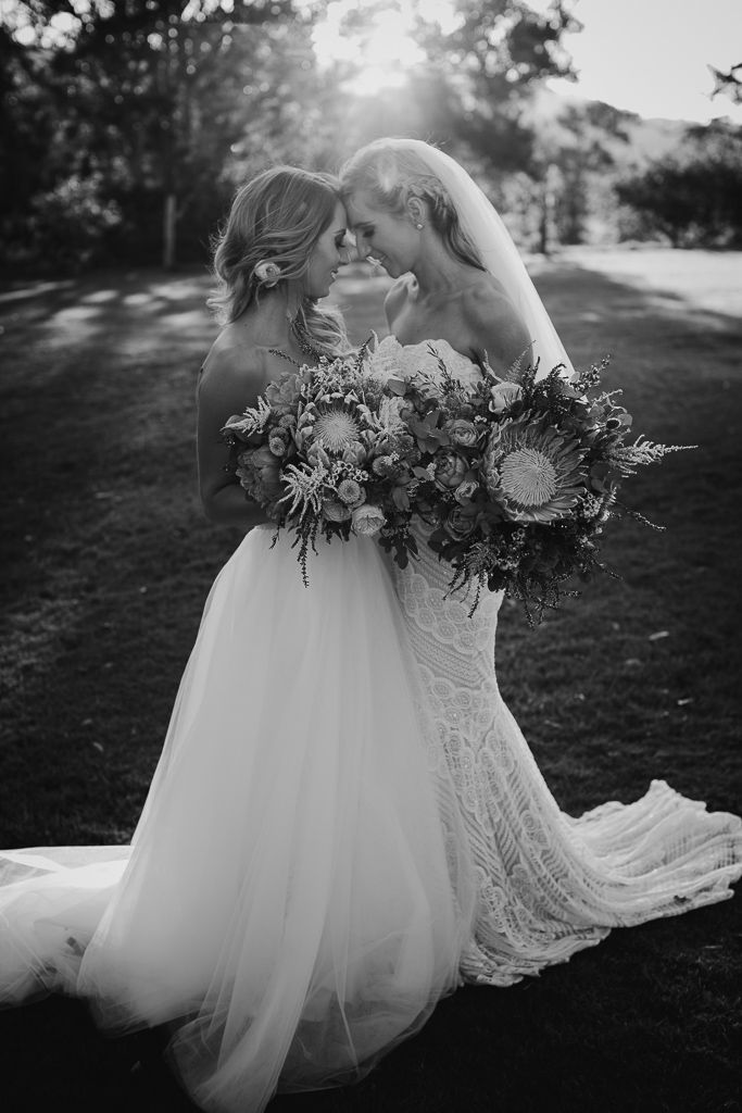 Sweet Lesbian Wedding Photo Ideas