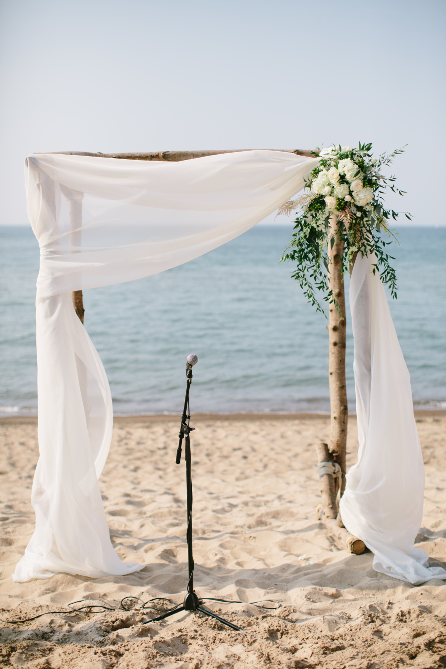 19 charming beach and coastal wedding arch ideas for 2018 for Arch wedding decoration ideas