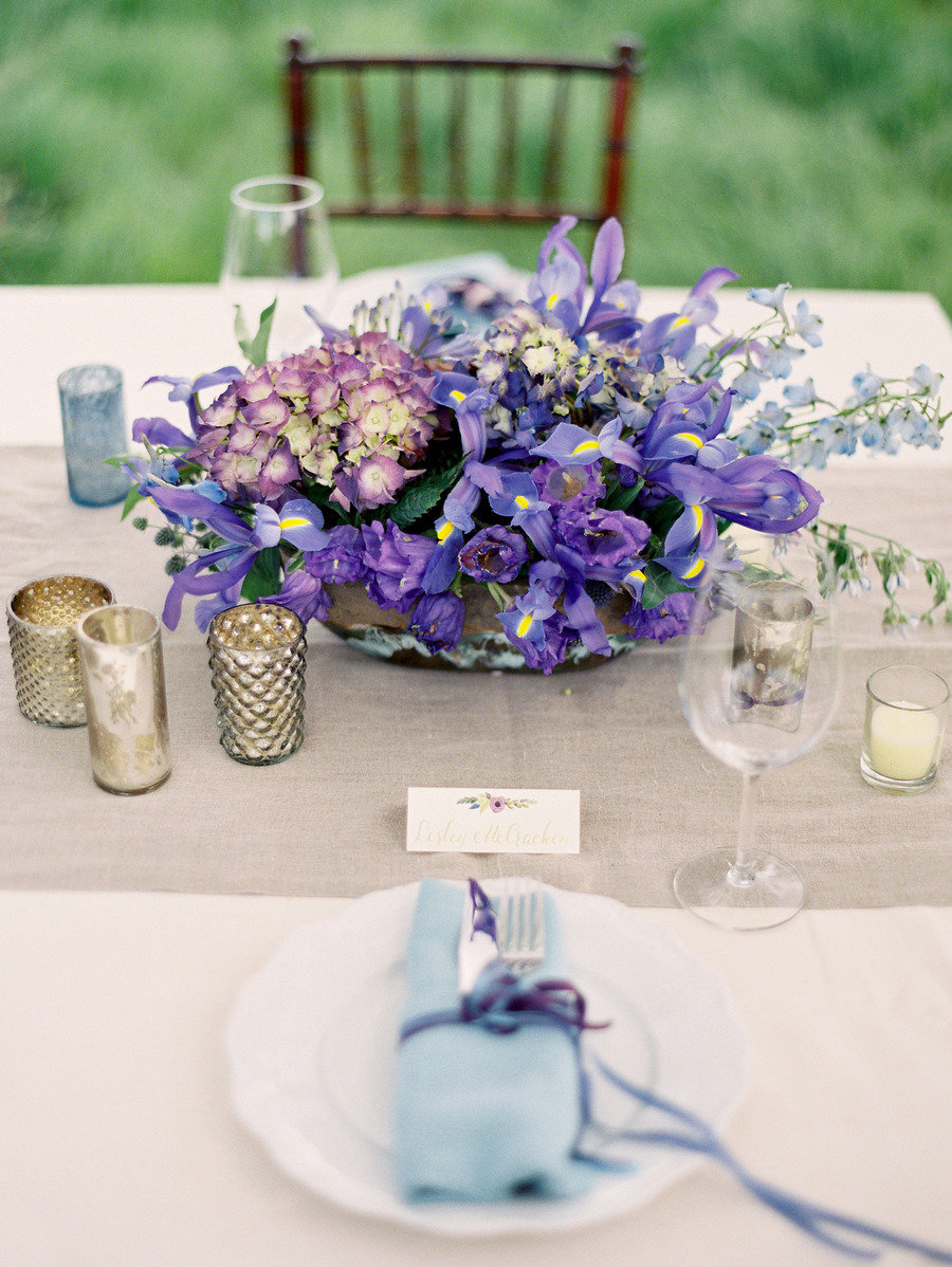 Wedding trends pantone ultra violet color