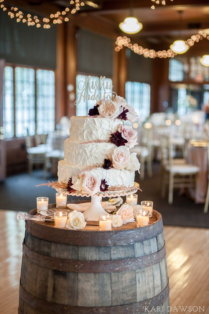 Chic rustic wedding cake and decoration ideas