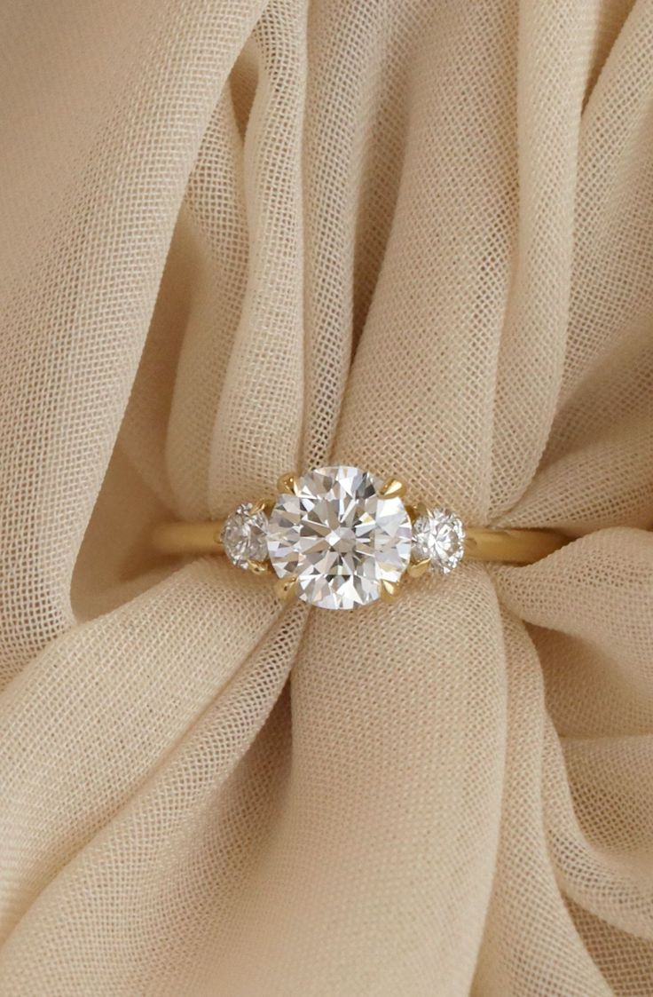 Simple but pretty engagement ring ideas