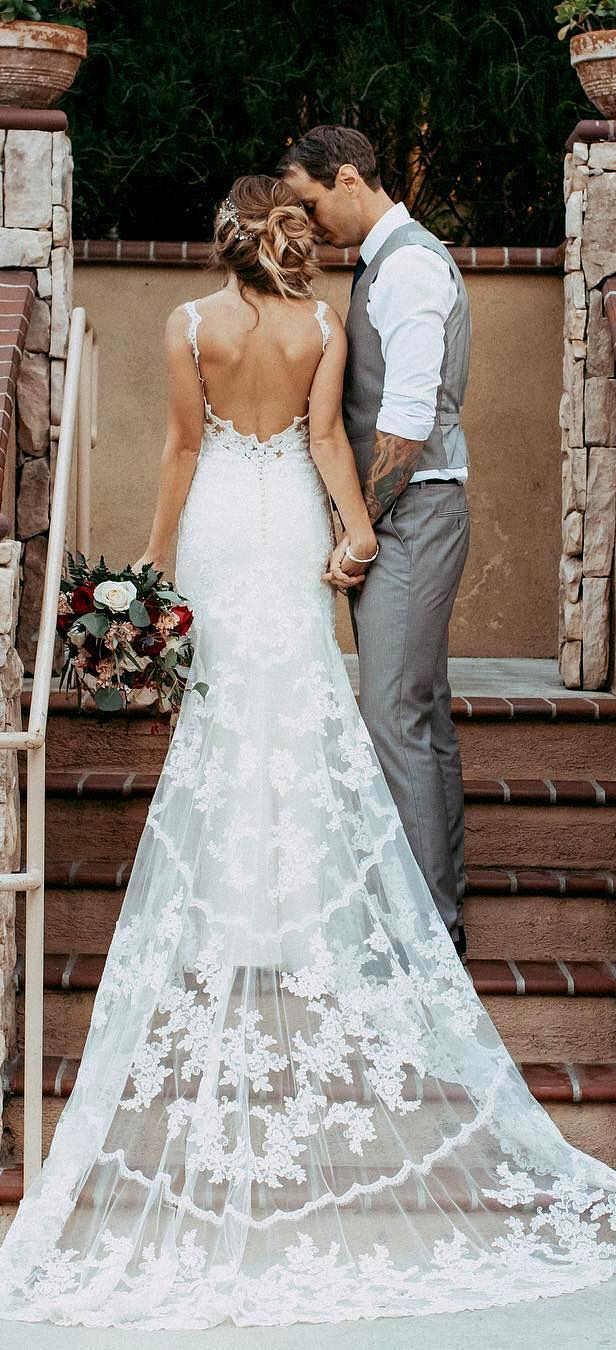 Delightful Stunning Open Low Back Lace Wedding Dresses