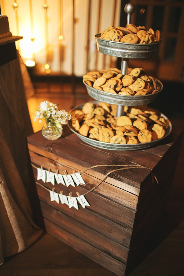 26 Inspiring Chic Wedding Food Dessert Table Display Ideas