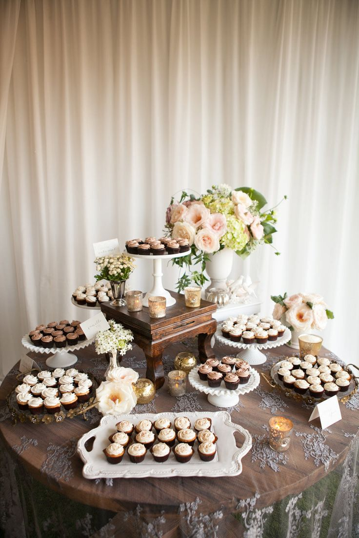 Vintage Wedding Cake Table - Wedding Cake Flavors