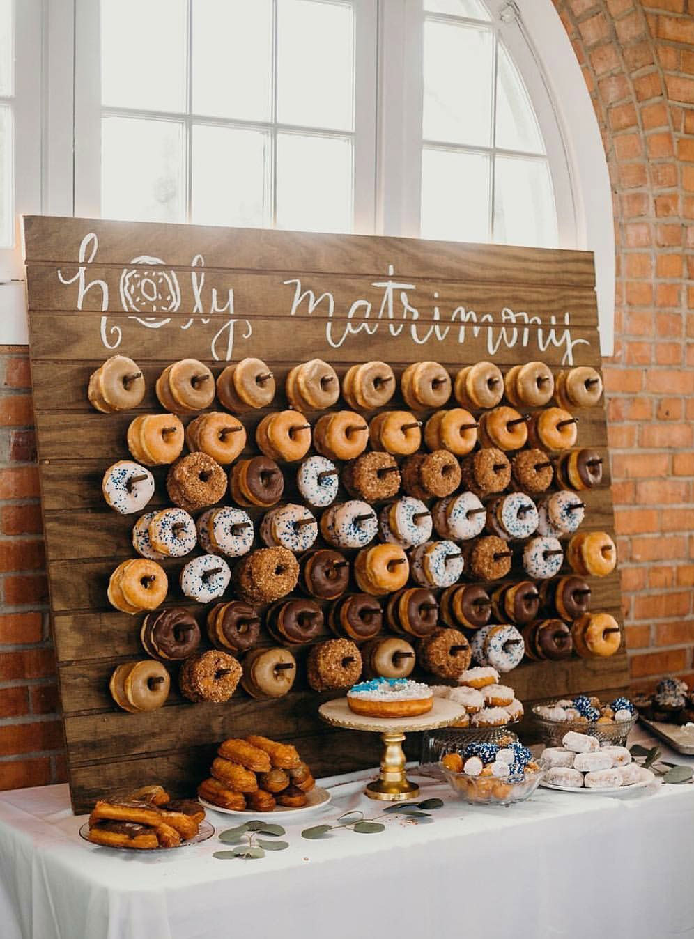 26 Inspiring Chic Wedding Food & Dessert Table Display Ideas