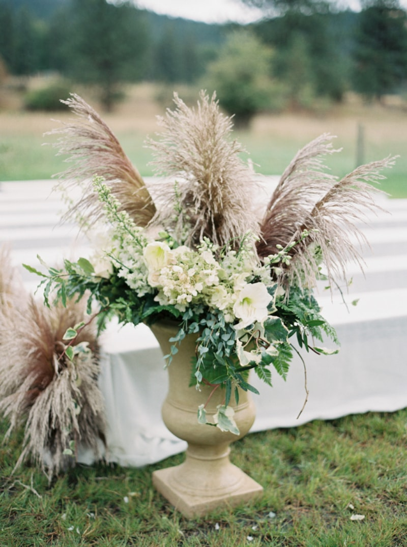 Pampas Grass Garden Wedding Venue Decoration Ideas