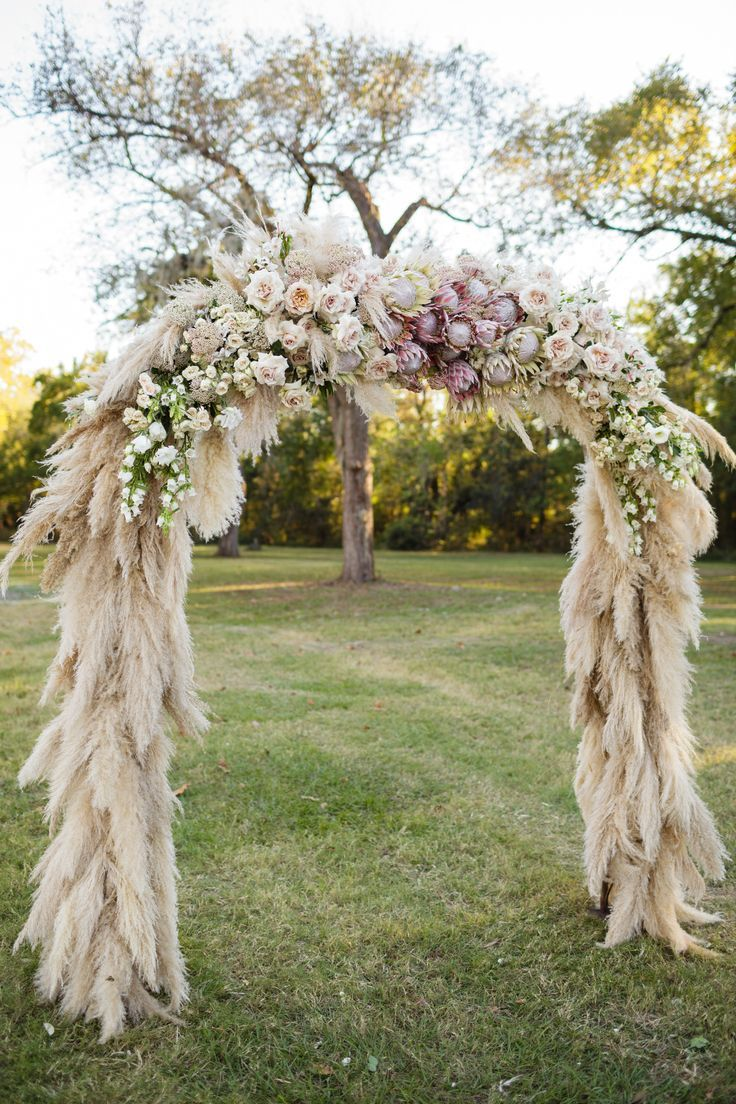 Trendy Romantic Pampas Grass Wedding Altar Ideas