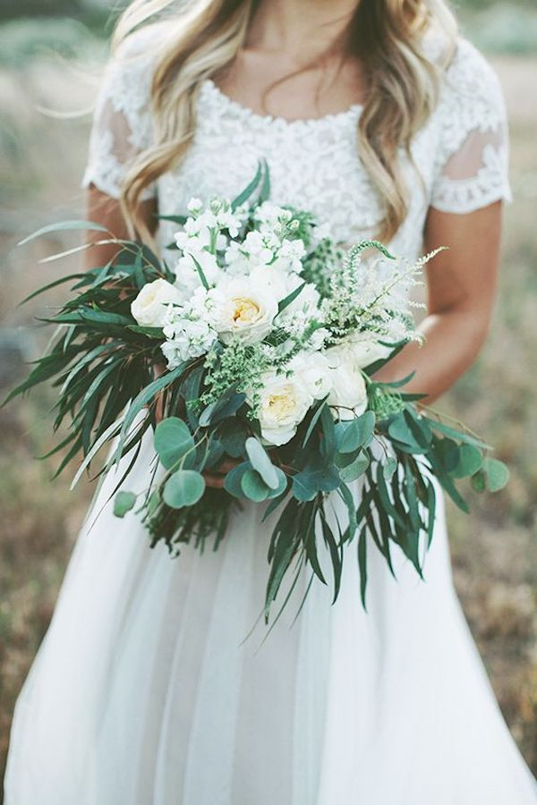 Green lush and wild wedding bouquet