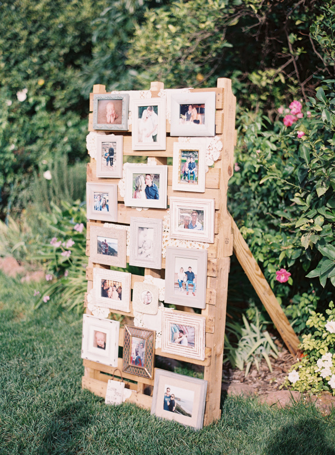 awesome wood pallet wedding photo display ideas