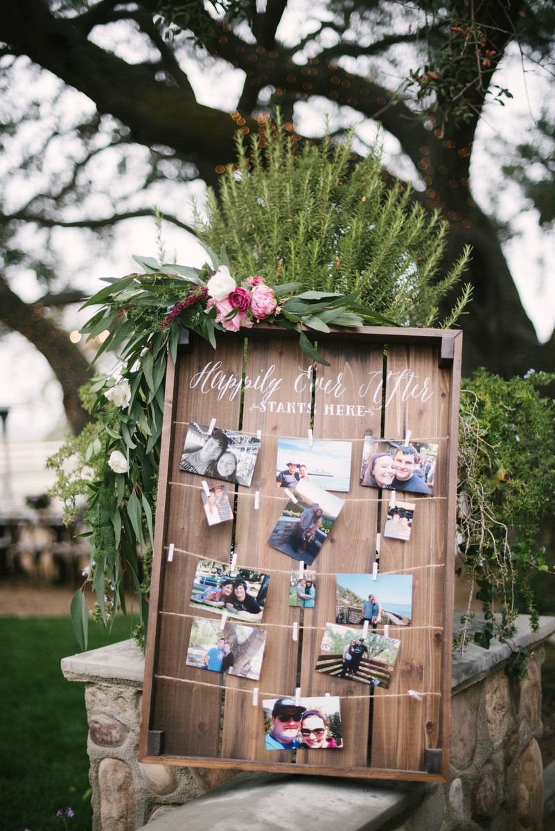 inspirational chic rustic wedding photo display ideas