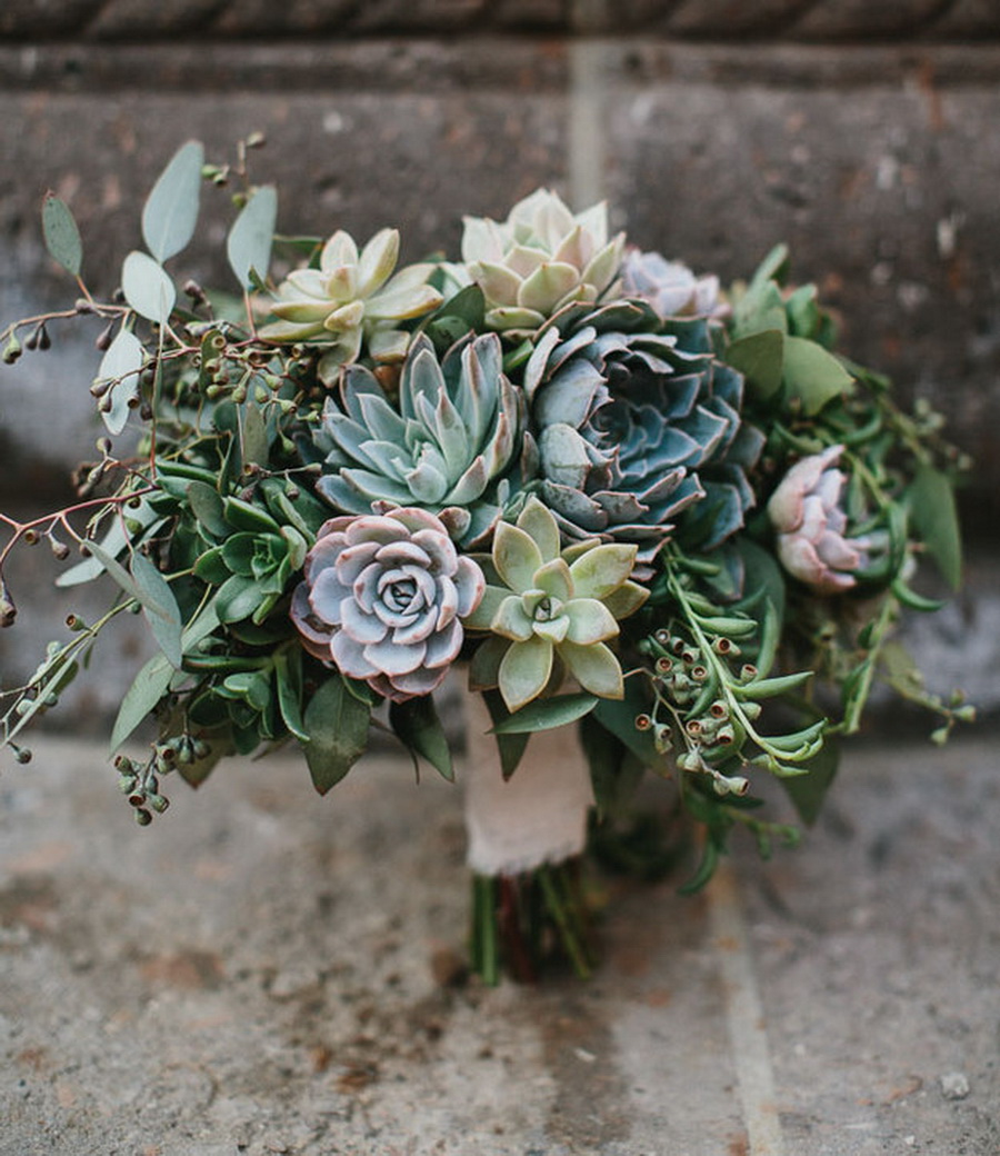 stylish and beautiful succulent wedding bouquets